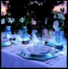 Ideas Wedding Summer Blue Table Settings For 2019 Wedding Cake Stands, Wedding Cake Rustic, Wedding Table, Wedding Dinner, Blue Table Settings, Wedding Day Quotes, Asian Vases, Rustic Invitations, Decorating Blogs