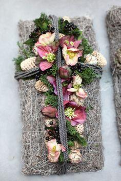 Die 241 Besten Bilder Von Grabdeko Wreaths Door Wreaths Und