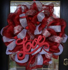 Beautiful Valentine's Day Deco Mesh Wreath