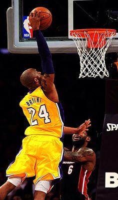 Kobe Awsome Dunk