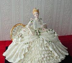 Porcelain Made In China Refferal: 4268228464 Porcelain Jewelry, Porcelain Ceramics, China Porcelain, Antique Dolls, Vintage Dolls, Shabi Chic, Dresden Dolls, Dresden Porcelain, Half Dolls