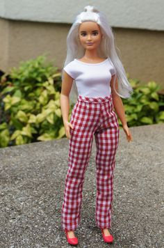 Sewing Barbie Clothes, Doll Clothes, Fashion Dolls, Fashion Dresses, Barbie Fashionista Dolls, Barbie Model, Beautiful Barbie Dolls, Barbie Patterns, Barbie Dress