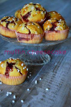 muffins cheesecake Philadelphia e marmellata Muffin Recipes, Cake Recipes, Dessert Recipes, Desserts, Pancake Muffins, Mini Muffins, Beignets, Cake Pops, Sweet Corner