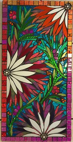 Looks like stained glass panel Mosaic Crafts, Mosaic Projects, Stained Glass Projects, Stained Glass Patterns, Mosaic Patterns, Mosaic Artwork, Mosaic Wall Art, Tile Art, Stained Glass Panels