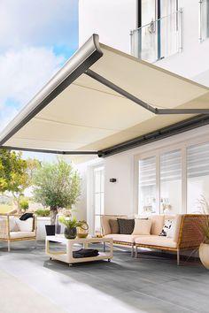 #sommer #terrasse #markise #weiß #lewens #sonnenschutz #studio3001  Backyard, Patio, Pergola, Future House, Porch, Landscape, Interior, Outdoor Decor, Garden Ideas