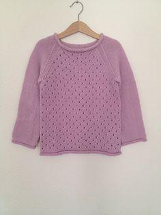 Sweater med hulmønster – str. 4 (6) 8 år