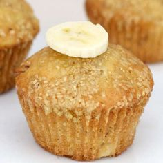 From the American Baked Goods Breakfast Recipe Collection. A basic banana muffin where the banana is the star. This is a great way to use up banana that getting overly ripe and browning. What's For Breakfast, Best Breakfast Recipes, Breakfast Dishes, Snack Recipes, Dessert Recipes, Snacks, Yummy Recipes, Healthy Recipes, Deserts