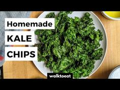 Roasted Kale Chips in the Oven - walktoeat Healthy Veggie Snacks, Healthy Kale Chips, Roasted Kale Chips, Homemade Kale Chips, How To Make Kale, How To Make Homemade, Making Kale Chips, Salty Snacks, Potato Chips