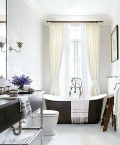 You'll Drool Over These 10 Celebrity Bathrooms: Brooke Shields' Greenwich Village Townhouse
