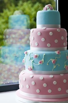Cake in Pastel Pink and Blue, so pretty almost too good to eat!