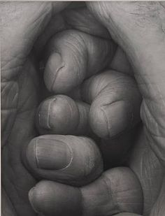 John Coplans, Self-portrait, Interlocking Fingers No. John Coplans creates his images in black and white. This emphasises the dark and light areas and adds depth to the images. Show Of Hands, Body Photography, Pencil Art, Paintings For Sale, Cool Drawings, Human Body, Light In The Dark, Fine Art, Artwork