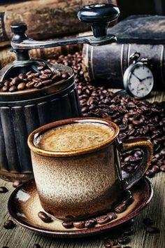 Café y molinillo