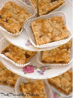Pink Piccadilly Pastries: Carmelitas for a Crowd New Year's Desserts, Fall Dessert Recipes, Desserts For A Crowd, Cooking For A Crowd, Cute Desserts, Cookie Recipes, Party Recipes, Yummy Recipes, Recipies
