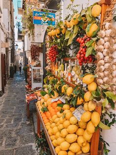 The perfect Amalfi Coast road trip itinerary including travel italy tips, what to do in italy, for your honeymoon in italy or just an Italy trip. Italy Honeymoon, Italy Vacation, Italy Travel, Italy Trip, Travel Europe, Spain Travel, Travel Bag, Naples Italy, Italy Italy