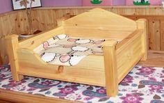 Hund: Schlafplätze - Exklusives Hundebett Katzenbett Holzbett inkl. Mat - ein Designerstück von babycontainer bei DaWanda