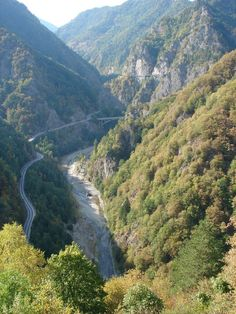 This is the route Vlad The Impaler, aka Dracula, and his forces took when they escaped from the soon to be overrun Poienari Citadel, Dracula's real castle. Order Of The Dragon, Real Castles, Dracula Castle, Vlad The Impaler, Evil People, Eastern Europe, Cathedrals, Vampires, Romania