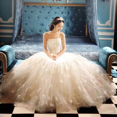 Not sure if this is a wedding gown but I <3 it. - Ethereally beautiful princess gown.