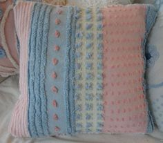 Make pillow covers from old chenille bedspreads ViNTaGE CHeNiLLe SweeT PinK & Blue Shabby par Sassycatcreations Shabby Chic Pillows, Shabby Chic Pink, Linen Pillows, Down Pillows, Cushions, Chenille Crafts, Chenille Bedspread, Blue Roses, Pink Blue