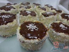 Vánoční ruské klobouky   NejRecept.cz Creative Food, Baked Goods, Toblerone, Nutella, Cake Recipes, Sweet Tooth, Muffins, Cheesecake, Deserts