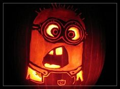 Minion Pumpkins - Painting & Carving from Despicable Me - http://www.snappypixels.com/interesting/minion-pumpkins-painting-carving-despicable/ - #DespicableMe, #MinionPumpkins, #Minions, #Pumpkins