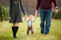 Farm Family Pictures, Family Photos, Christmas Tree Farm, Family Christmas, Xmas Tree, Holiday Photos, Christmas Pictures, Farm Clothes, Family Picture Outfits