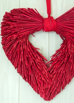 ~ Heart Wreath ~ Is it made from dyed straw....
