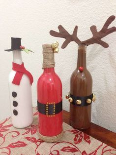 Christmas crafts from old wine bottles holidays decorations xmas merry christmas christmas pictures christmas crafts christmas decorations happy holidays wine bottles Christmas Projects, Holiday Crafts, Holiday Fun, Christmas Trends, Christmas Crafts For Adults, Old Wine Bottles, Wine Bottle Crafts, Bottle Art, Glass Bottles