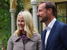 Prince Haakon and Princess Mette Marit visits the Summer Library