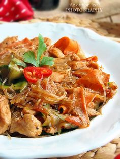 Asian Recipes, Ethnic Recipes, Wok, Japchae, Chili, Cake Recipes, Food And Drink, Cooking, Chef Recipes