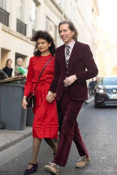 Wes Anderson and Juman Malouf are seen on the street during Paris Fashion Week on October 2018 in Paris, France. (Photo by Matthew Sperzel/Getty Images) Wes Anderson Style, Wes Anderson Movies, Nerd Fashion, Fashion Outfits, Paris Fashion, Famous Movie Directors, Ivy League Style, Wild Style, Fashion Couple
