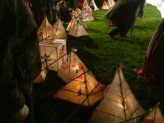 Balloon Lanterns, Paper Lanterns, Craft Stick Crafts, Paper Crafts, Lantern Craft, Papier Diy, Outside Decorations, How To Make Lanterns, Paper Light