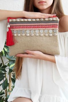 Denim Tote Bags, Diy Tote Bag, Stylish Blouse Design, Stylish Dress Designs, Diy Bag Designs, Diy Crochet Bag, Diy Broderie, Diy Clutch, Bead Embroidery Patterns