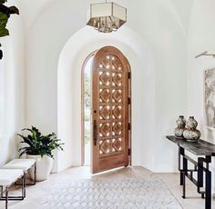 Current obsession — unique doors, swipe to see! Also some of our favorite pins& p Current obsession unique doors swipe to see Also some of our favorite pins are up on beckiowens vivirdesign Gather Projects p Home Design, Home Interior Design, Interior Livingroom, Style At Home, Home Modern, Unique Doors, Home Fashion, My Dream Home, Dream Land