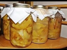 The healthiest apple cider vinegar is one that is organic, unpasteurized and unfiltered. If you want to make sure that you use real organic apple cider vinegar, you can make homemade organic apple cider vinegar. Homemade Apple Cider Vinegar, Fermented Foods, Natural Cures, Natural Healing, Healthy Alternatives, Slushies, Apple Juice, Military Diet, Households