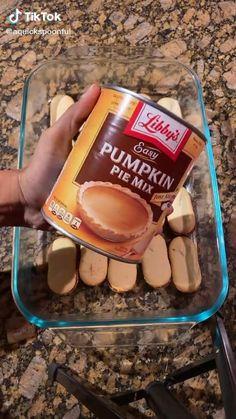 Pumpkin Recipes, Fall Recipes, Holiday Recipes, Fall Desserts, Just Desserts, Dump Cake Recipes, Dessert Recipes, Banana Split Dessert, Fresh Salad Recipes
