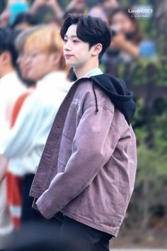 Find images and videos about wanna one, kuanlin and lai kuanlin on We Heart It - the app to get lost in what you love. Cute Korean Boys, Cute Boys, My Boys, Jinyoung, Swing, Guan Lin, Lai Guanlin, Ideal Man, Pretty Men
