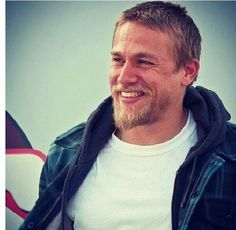 Charlie Hunnam ♥ his smile :) so handsome, just can't get enough!