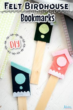 DIY Felt Birdhouse Bookmarks #crafts #funcraft #birdhouse - Mom Does Reviews Cute Kids Crafts, Easy Crafts To Make, Fun Arts And Crafts, Craft Stick Crafts, Diy Craft Projects, Easy Diy, Craft Ideas, Wooden Craft Sticks, Wooden Crafts
