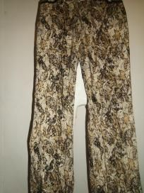 Newport News Easy Style Burn out Velvet Jeans - Size 8 - Like New - FREE SHIPPING!