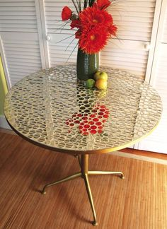 mosaic mirror table-- pretty, but I think the glass back splash tiles would be pretty and much easier. Going to try this!