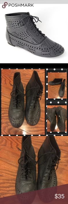 Dark Gray Ankle Boots The boots tie up Shoes