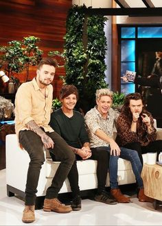 1D on The Ellen Show - Taped: 11/17/15. Aired: 11/18/15.
