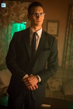 Hello, my name is Edward Nygma. I'm a mortician for the GCPD. I like to tell riddles at random times, but they usually reflect how I feel. People are starting to say I'm wrong in the head, but I ignore them.