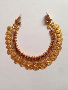 Antique Necklace 10 Antique Jewellery Designs, Gold Jewellery Design, Gold Wedding Jewelry, Bridal Jewelry, Gold Jewelry, Beaded Jewelry, Indian Jewelry, Kerala Jewellery, Temple Jewellery