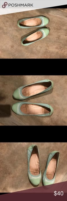 Just InVince Camuto mint patent leather flats Genuine Vince Camuto mint patent leather flats wonderful shine EUC leather sole no marks on patent sides & top so trendy you can wear these ballet style flats year round Vince Camuto Shoes Flats & Loafers
