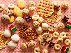 The Ultimate Italian Cookie Guide Can't tell your pizzelles from your anginetti? With this comprehensive cookie guide, you'll be churning out treats like your favorite Italian bakery in no time. Italian Christmas Cookie Recipes, Italian Cookie Recipes, Italian Cookies, Italian Desserts, Christmas Baking, Italian Foods, Holiday Baking, Italian Bakery, Italian Pastries
