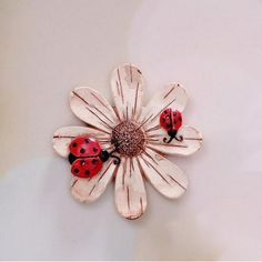 $0.80 Sunflower and Beetles Round Fridge Magnets Beige