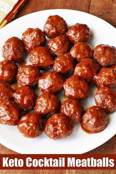 Juicy little cocktail meatballs are the best appetizer! Coated in a wonderfully flavorful sauce, they are simply irresistible. Juicy little cocktail meatballs are the best appetizer! Coated in a wonderfully flavorful sauce, they are simply irresistible. Low Carb Cocktails, Healthy Cocktails, Healthy Food Blogs, Healthy Recipes, Healthy Dishes, Crock Pot Meatballs, Keto Meatballs, New Years Appetizers, Cocktail Meatballs