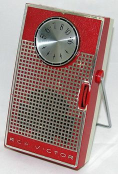 https://flic.kr/p/wk611r | Vintage RCA 6 Transistor Radio, Model 1-RG-31, The Beachmate, Broadcast Band Only, Made In USA, Circa 1961