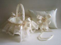 2 PC-flor cesta de la muchacha y almohada de por RoseGardenStitches